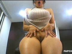 Pretty Big Booty Mommy Pussy Fingering