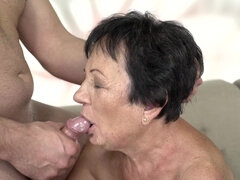 Short-haired granny Hettie gets her horny snatch pounded