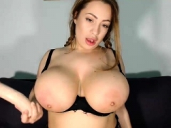 floozy sashablacky flashing bra buddies on live web camera