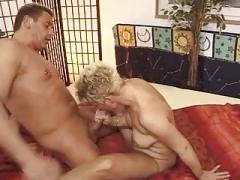 Highlights Short Hair Frau Cougar