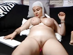 Arabic beauties and their amazing bodies