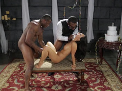 A babe that loves getting touched is in a 3-way, penetrated