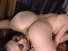 A sexy gal with a lovely pussy is getting her cunt ravaged