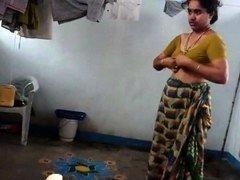 Desi with shaggy armpit wears saree Corazon from 1fuckdatecom
