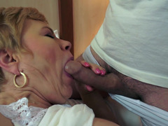 Weighty granny is getting her drenched pussy lips licked by a excited lad