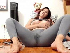 28min barefeet feet squirting in costume