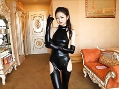 Nice-looking Japanese girl in spandex