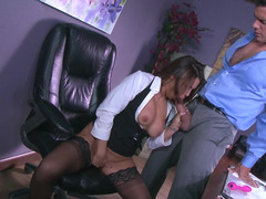 Office is superb place for spontanious sex with secretary