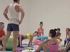 Fresh-faced teen chicks in sizeable fitness group orgy