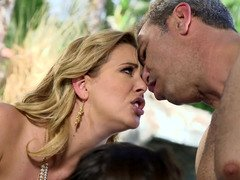 Smoking-hot Eager mom wants to treat husband together with youthful minx