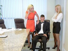 Two blonde beauties lure colleague for some entertainments