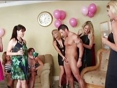 Milf, Party