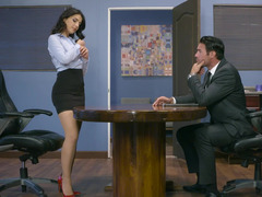 Office worker with good tits wants boss to fuck her on the table