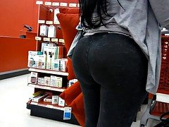 Bubble Tooshie Latina in Black Jeans