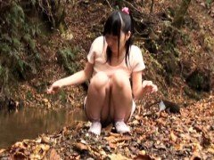 Slender Oriental chick with sexy legs delivers an awesome blowj