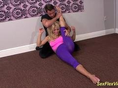 extreme flexi Eager mom Gina West fucked