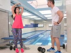Hot thing with black hair is fucked in the gym in front of the mirror