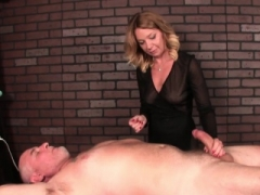 Grown-up masseuse dominates her users flag pole