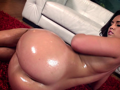 A big ass babe is shaking her lovely ass in front of the camera
