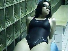 Swimsuit Bitch-cumshot