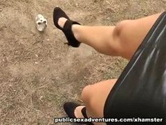 Hot truly chick in outdoor fucking