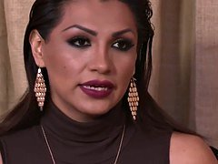 jessy dubai attempts to leave her bf