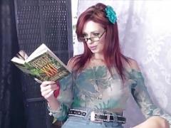 Hot Housewife Shanda Fay Gives blowjob A Horizontal Glory Hole Cock!