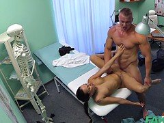 FakeHospital Fit nurse blows off and besides fucks body builder