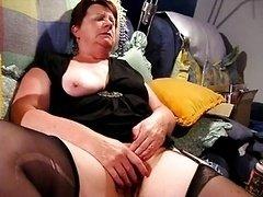 Chubby Grown-up rubs until she cums