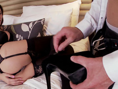 Teen long--legged doll gives man her feet and pussy