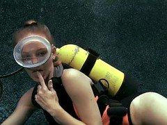 First-class Underwater Oral sex