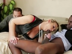 Broad bangs her boss in front of husband