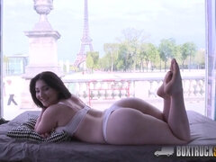 Amazing Mylene Johnson has Hard Coition Public Making Out in Paris