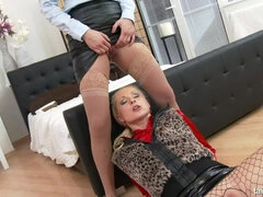 Street Prostitute Pissing Action
