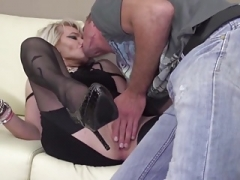Old kinky mother gets backdoor sex from son