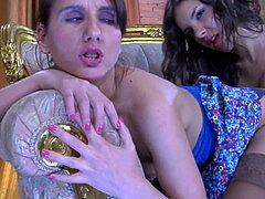 strap on dildo lesbos 4
