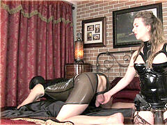 dominatrix T prostate mculoage, pegging and rectal with strap-on slave
