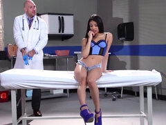 Doctor injects patient Veronica Rodriguez's tight pussy with cock & seed