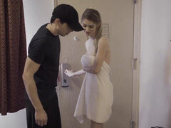Russian Nadya Nabakova seduced the delivery boy for a quick fuck