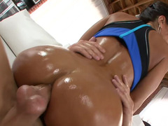 Lubed up Lisa Ann takes a large cock anal having an intercourse like a first-class slut