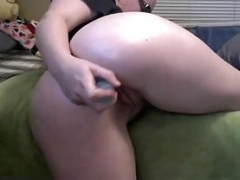 White Gal Shovingg Sextoy Up Her Ass