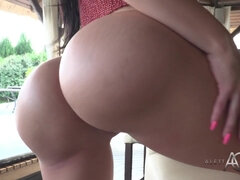 Gorgeous Aletta Ocean - Dolce Far Niente - outdoor smoking and masturbation with dildo toy