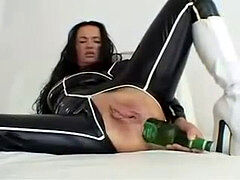 cougar enjoy using bottles in her gash & ass
