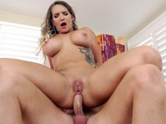 Busty Cali Carter gets assfucked in reverse cowgirl position