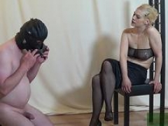 Homemade german session with minion with foot fetish and besides blond domina female domination
