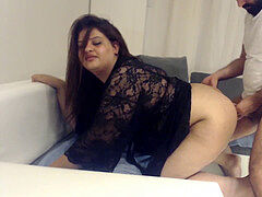 INDIAN DESI AUNTY blowing AND poking ANAL WITH HER HUSBAND'S friend !