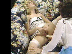 youthfull blond housewife gets gassy