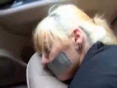 Autostop blonde kidnapped