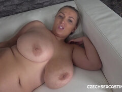 Czech fenomenon Krystal Swift gets screwed after casting photoshop - cum on tits