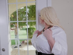 Tons of large boobs in smashing HD videos